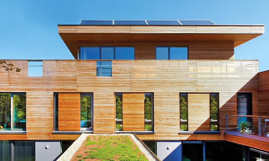 Schiebefensterläden Sonnen und Sichtschutz