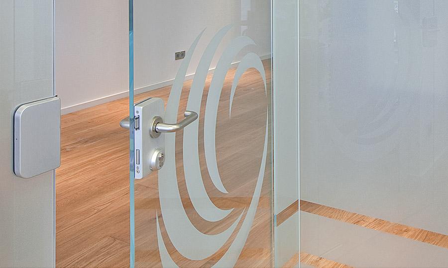 Glas und Design mit Glasätzfolien