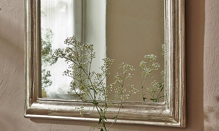 Glas Spiegel und Rahmung