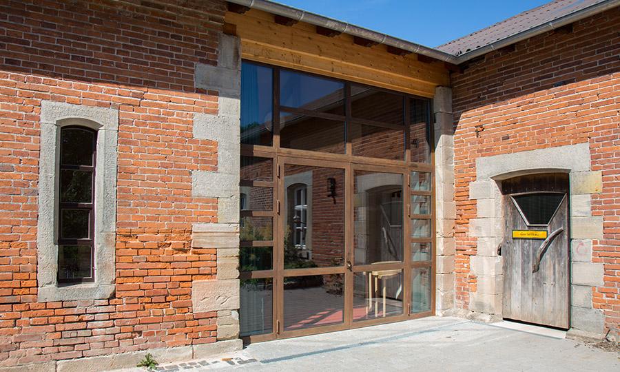 Denkmalschutz Fenster und Eingangsbereich Waldorfschule Coburg